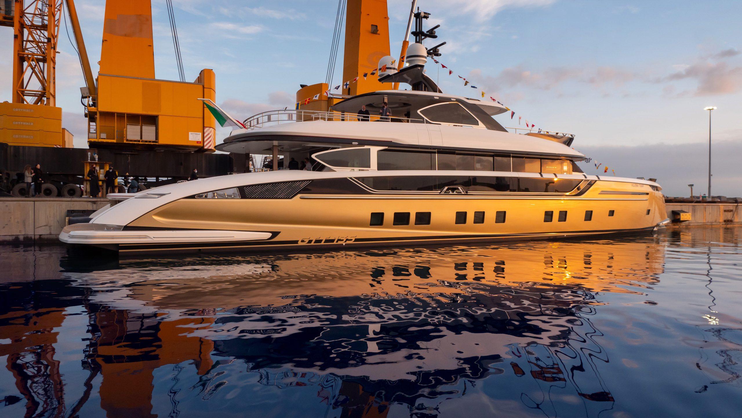Launch GTT 135 Dynamiq Yachts